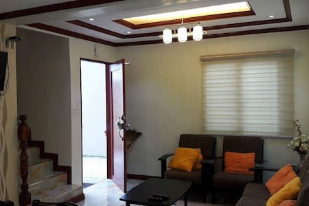 FULLY FURNISHED 3B-ROOM WITH WIFI,GOOF FOR 6-12PAX - Cavite City - Huis