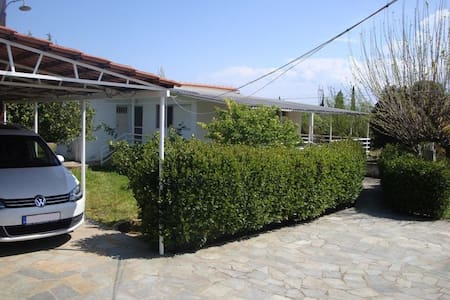 3 bdr country house 600m from the beach, Eretria - Magoula - Loma-asunto