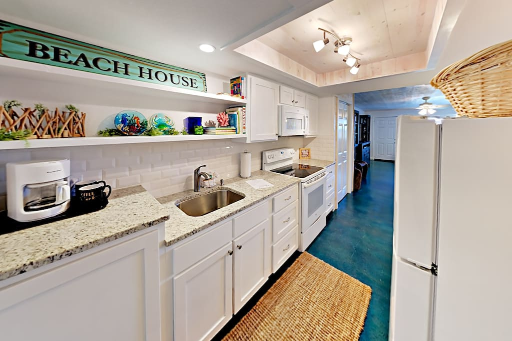 115 Sea Breeze - Salty Sea Suite-Kitchen