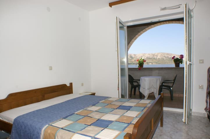 One bedroom apartment with terrace and sea view Zubovići, Pag (A-4130-g)