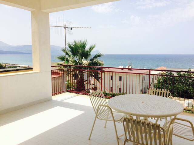 Le Zagare Home Holiday - Alcamo Marina - Rumah