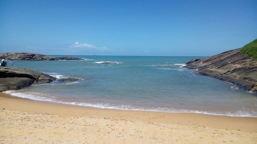 Casa 4 quartos em Setiba de frente para o mar