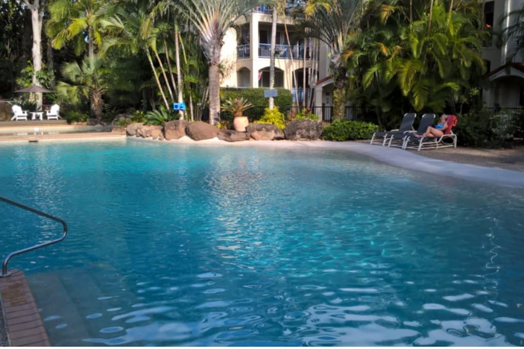 Another view of the gorgeous pool!