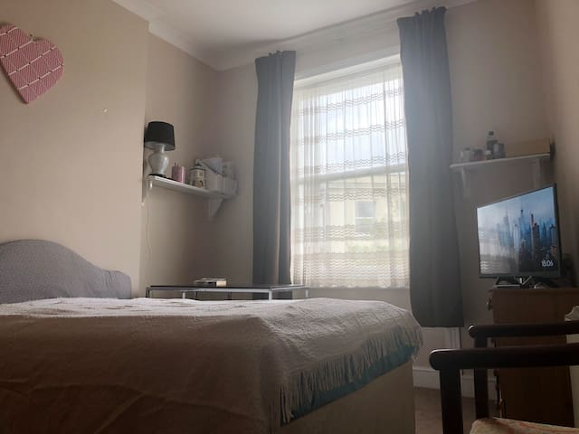 Bright lovely double room
