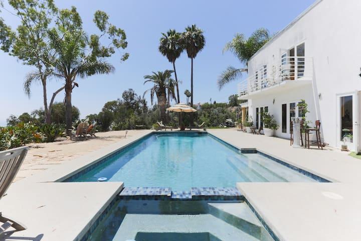 Ocean View retreat in Malibu artists home.
