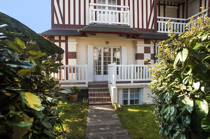 A beautiful Duplex in Cabourg, 80m from the sea - Cabourg - Huoneisto