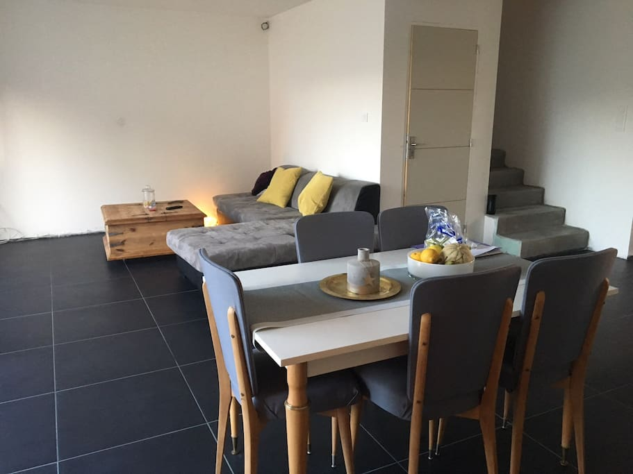 Maison en pierre piscine tubulaire 3 chambres casas for Piscine bouguenais