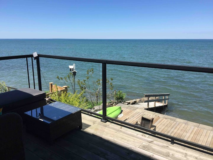 Spectacular Waterfront View - Large 1 Bdrm