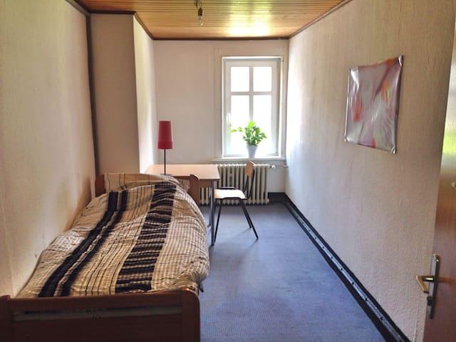 Kleines Zimmer in historischem Haus - Clausthal-Zellerfeld - Huis