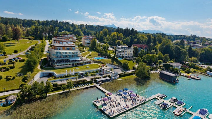 Lake apt. in Velden with amazing views
