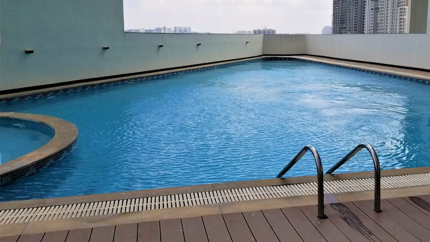 5⭐ Ultra Luxury 2bhk 🏊🏼Spa🏋 HiTech Gachibowli