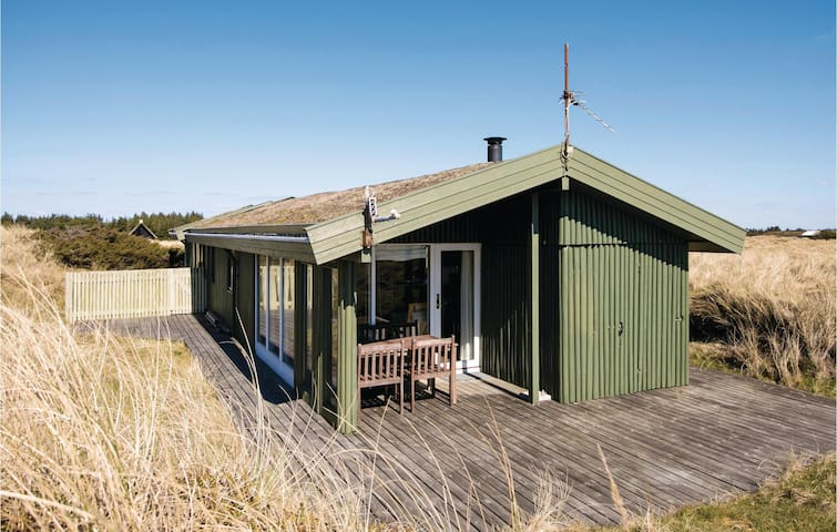 Holiday cottage with 4 bedrooms on 50m² in Løkken