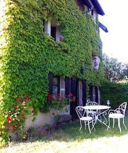 Maison de vacances à la campagne - Brousse