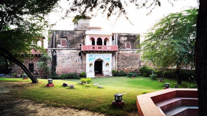 Haveli Lal Darwaza-300 Year old Manor, Sohna