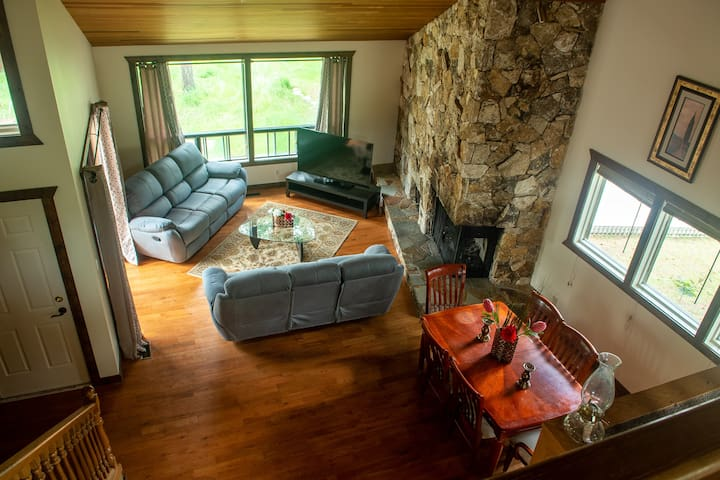 Spacious house in Fairmont Hot Springs