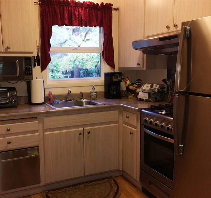 Fully equipped kitchen, we try to think of everything!