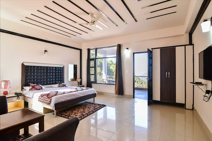 Spacious Maharaja Room | Kitchen | Balcony