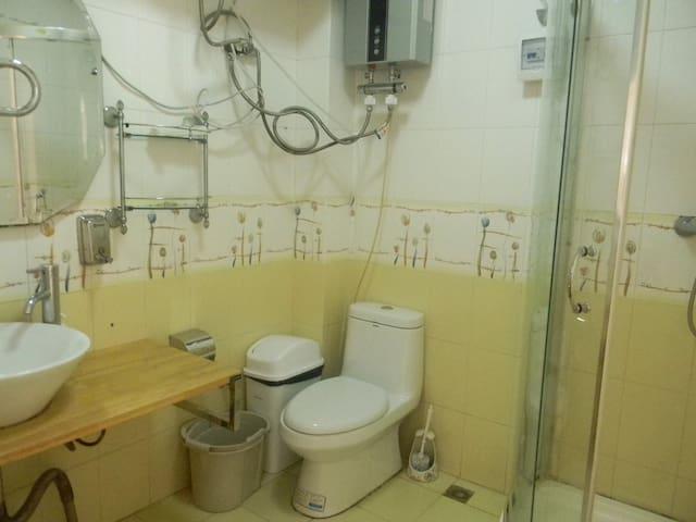 复式一楼卫生间