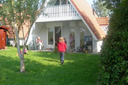 Charming house near the Wadden Sea - Den Oever - House
