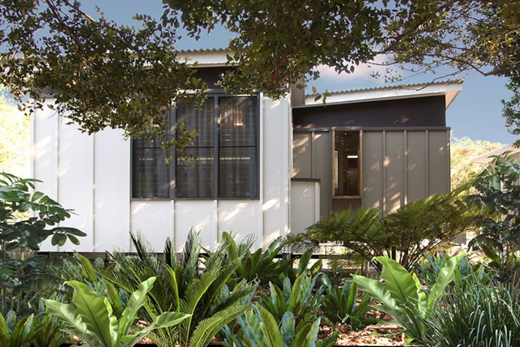 Freestanding villas