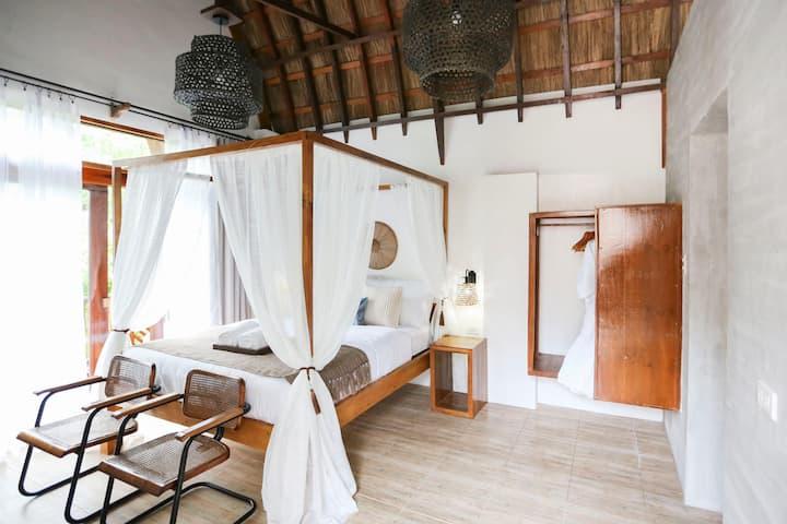 Luxury Bedroom in Siargao w/ Hot tub Near Beach