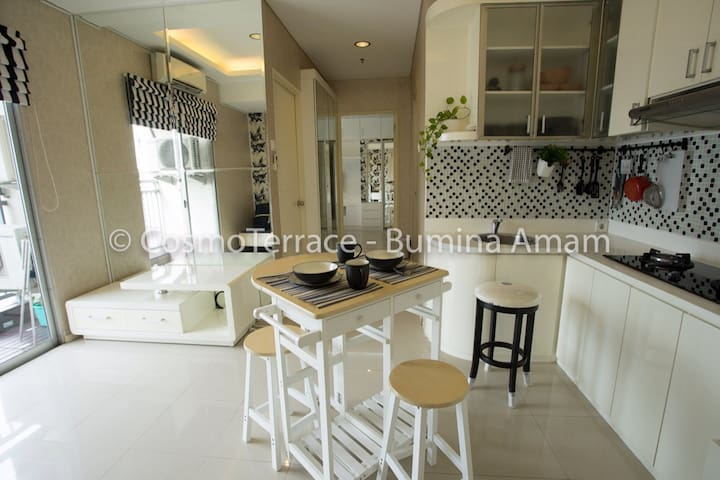 2BR Bright & Sunny, 50m2 apartment in Thamrin City