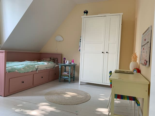Children's room with extendable cot