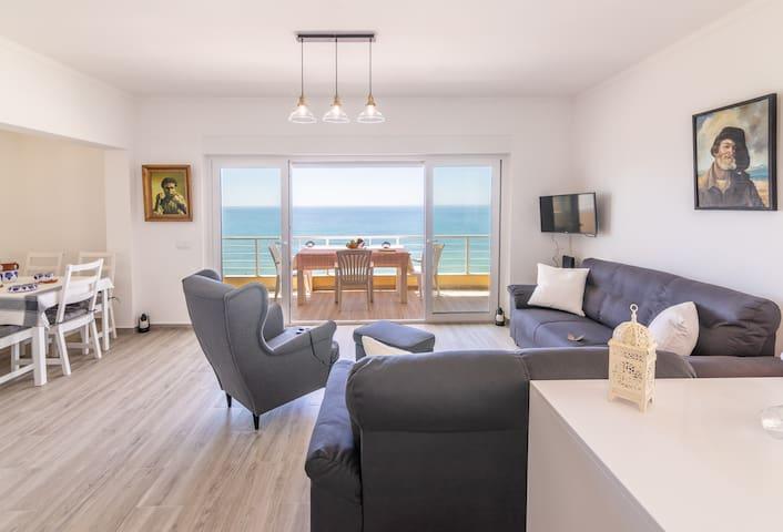 Blue Muriel Apartment