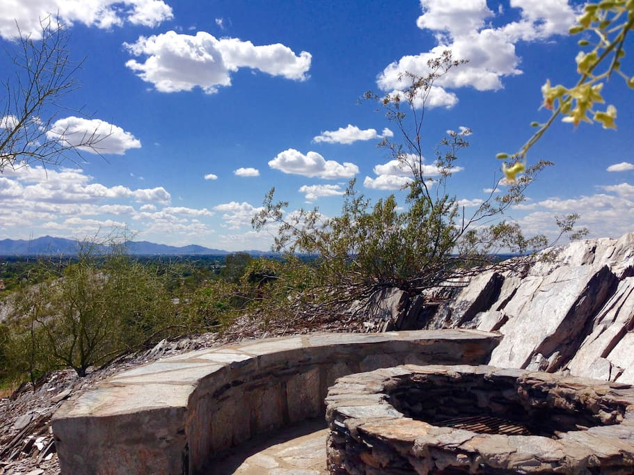 Rock firepit with 360 degree views of Phoenix, be sure to bring a camera!