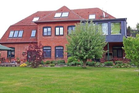 Ferienwohnung direkt am See in Ventschow - Ventschow - Wohnung