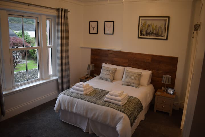 Beech - King Room, Woodlyn Guest House