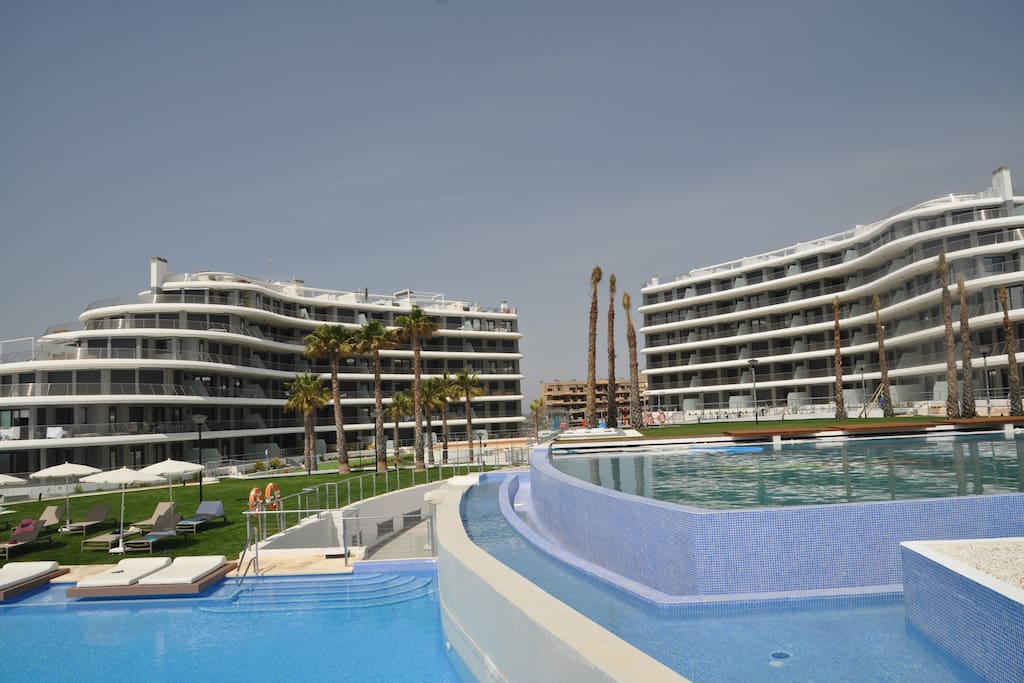 Luxurious apartment next to the sea appartements louer for Comunidad del sol