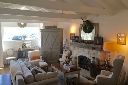 Concours retreat with 2+ car garage - Carmel-by-the-Sea