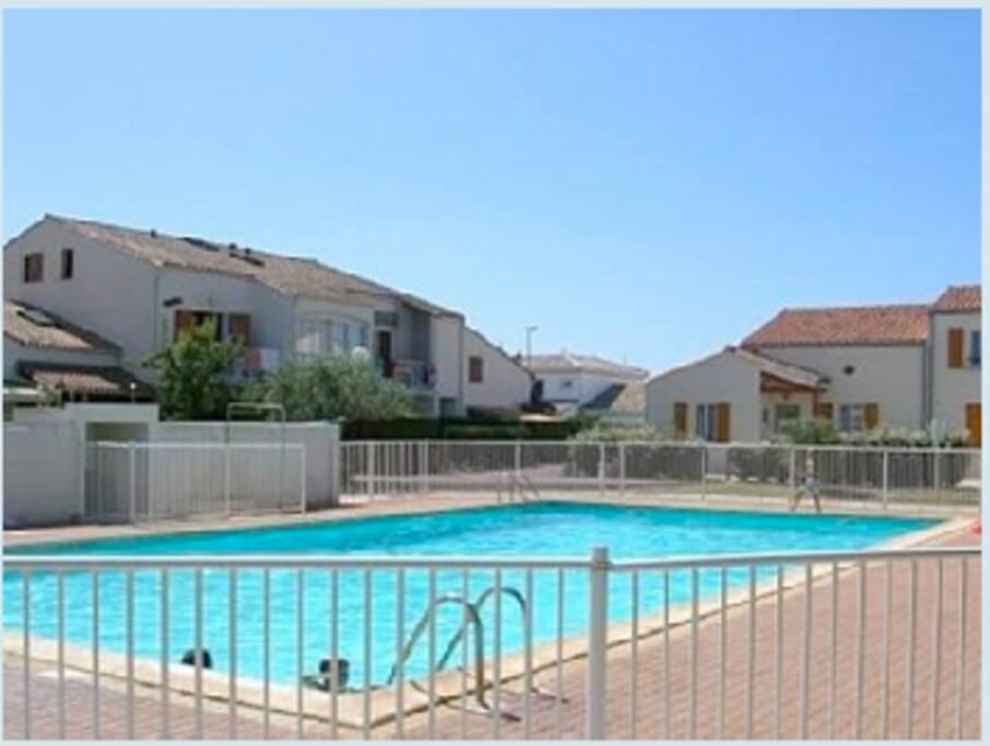 Appart avec terrasse et piscine proche de la plage for Piscine pont de vaux