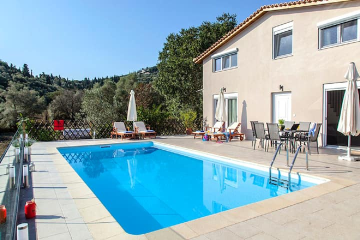 Villa Manos Offers 10% OFF, For June & July Dates