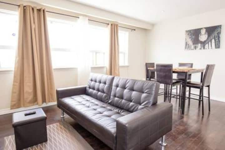 ❣❣Private Guest Suite,Shared Kitchen & Living room
