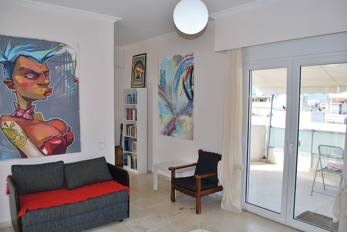 Top-floor, great location! - Patra - Apartament