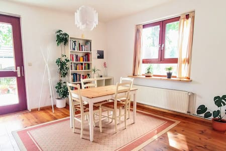 Open and bright apartment with garden