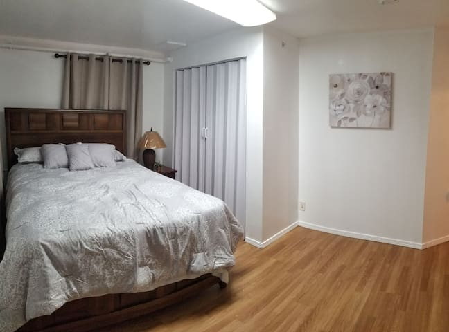 Fireweed and Spenard 2 bed room apartment