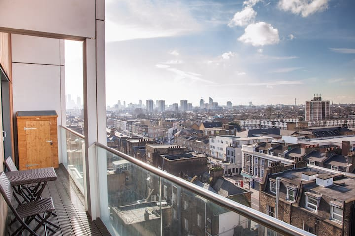 Dalston Penthouse - 24 Hour Check In - ❤️❤️❤️