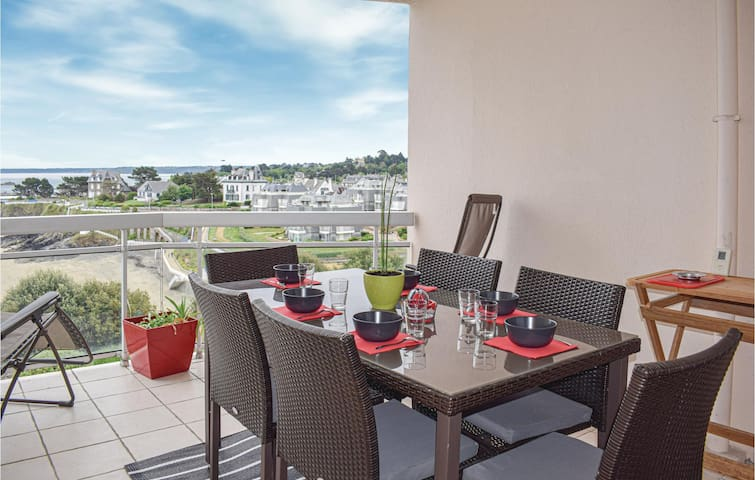 Holiday apartment with 3 bedrooms on 130m² in Saint Quay Portrieux