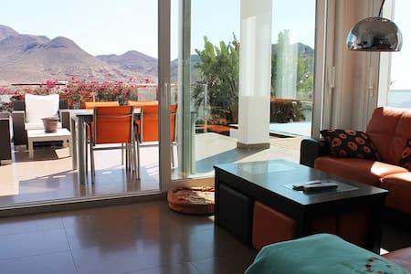 VILLA MATINEE, alojamiento exclusivo en San José - นิชาร์