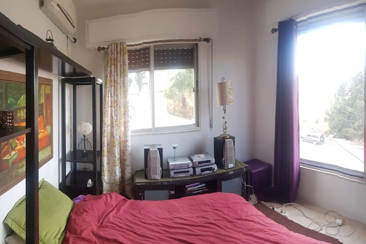 Bedroom with a View Close to Food, Music & Culture