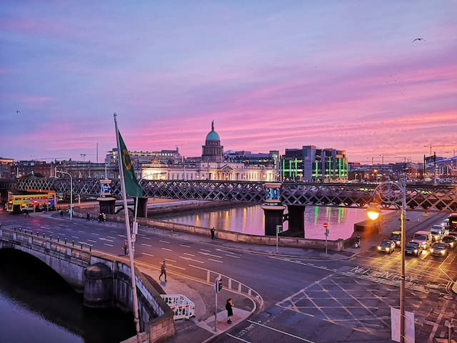 Sleep with a view in the heart of Dublin