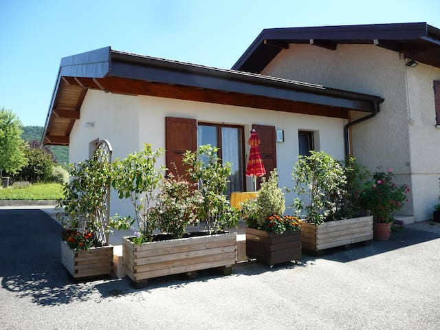 Charmant T2 à la campagne proche Annecy - Seynod - Apartment