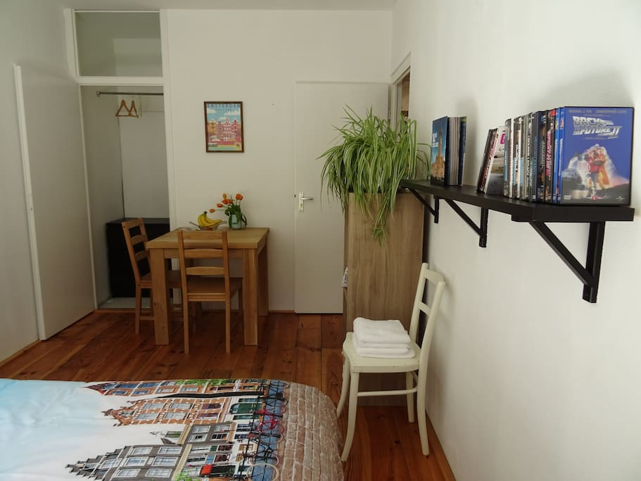 Books, DVDs and a large closet for your luggage and clothes