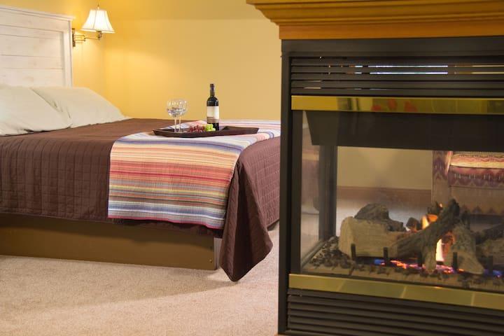 Brownstone Room - Pinehurst Inn Bed & Breakfast