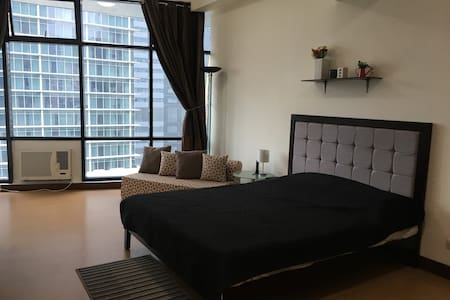 NEW!!!  1 queen  bed, sofa bed w/ amenities - Pasig