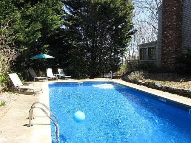 4 Bedroom with Pool and Views! - Harwich - House