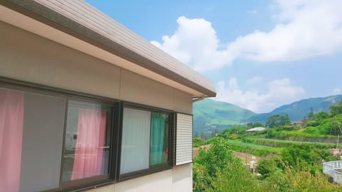 Yufuin Sunday1 Sweet Tatami Room-Pick up service